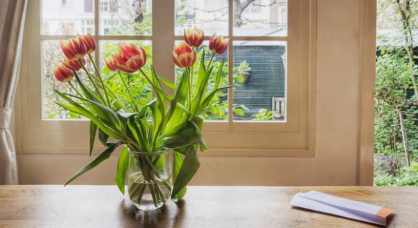 Cách chưng hoa tươi trong nhà hợp phong thủy
